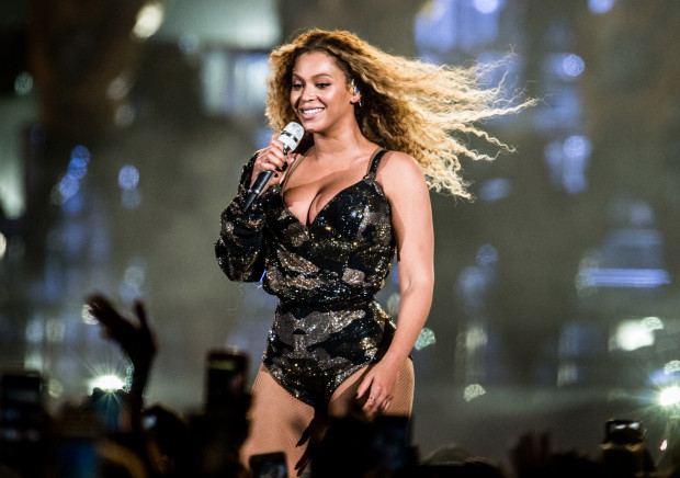 Beyonce Donates Ring JAY-Z Gifted Her to London Museum