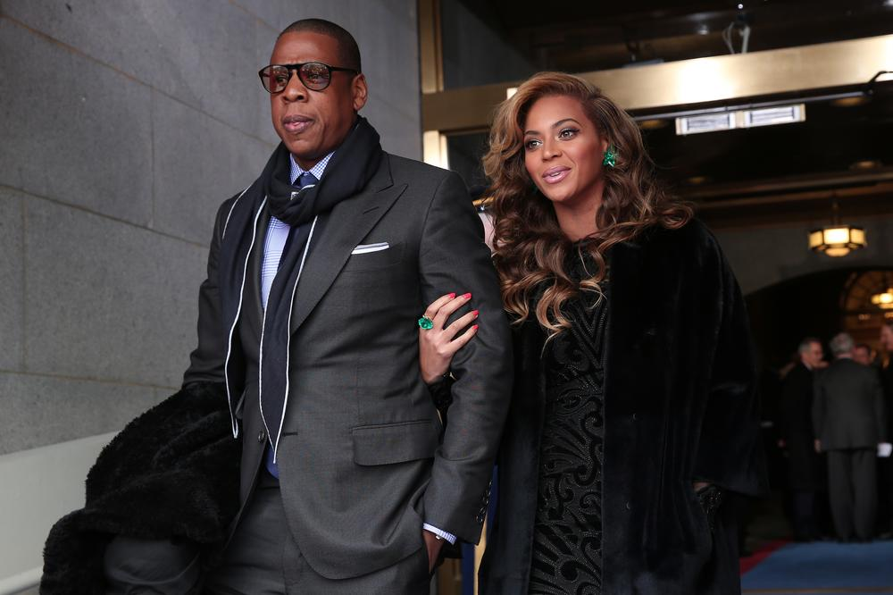 Jay-Z & Beyoncé spotted on $180 Million Luxury Yacht In Italy