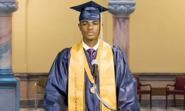 HS' First Black Valedictorian Delivers Speech at City Hall After Principal Shuts Him Down