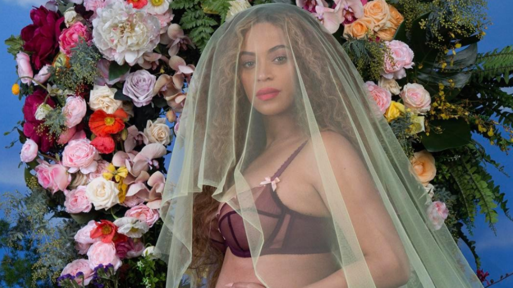 The Beyhive is Speculating That Beyonce is Pregnant