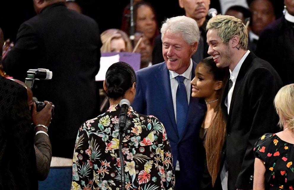 Bill Clinton, Oprah Winfrey & More Attend Aretha Franklin's Star-Studded Funeral