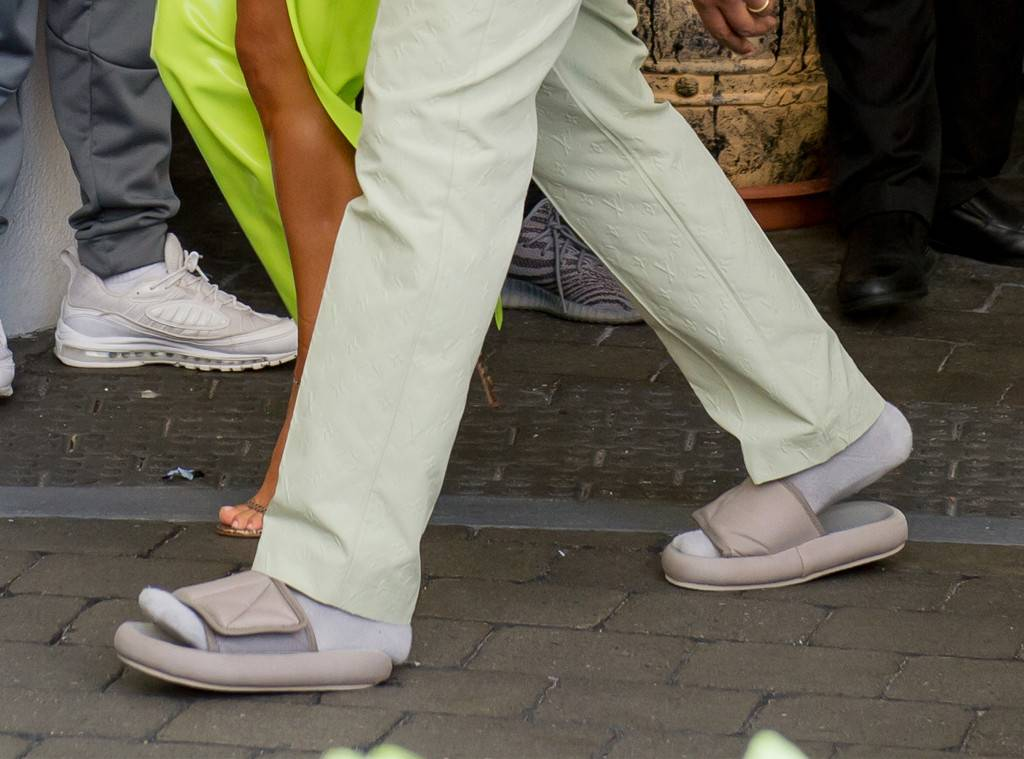 Kanye West Argues Wearing Small Sandals is the 'Japanese Way'