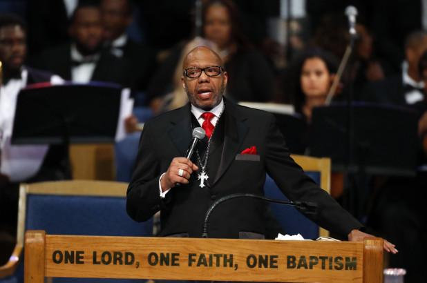 Aretha Franklin's Family Slams Pastor's 'Offensive' Eulogy