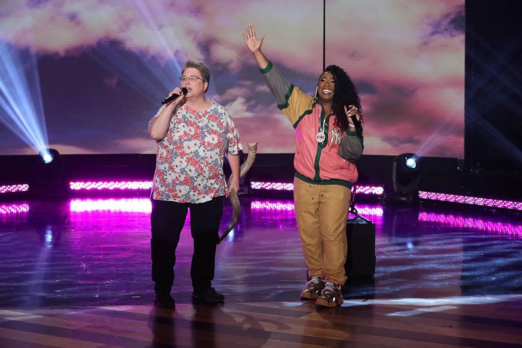 Missy Elliott Performs 'Work It' With Fan on 'The Ellen Show'