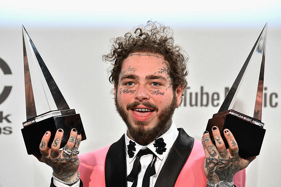 Post Malone Takes Home Favorite Rap/Hip Hop Album for 'beerbongs & bentleys' at AMAs