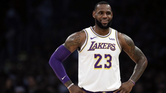 LeBron James is Reportedly Holding Private Workouts for Lakers With COVID-19 Testing