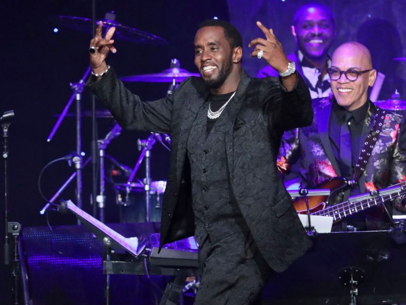 Diddy Reveals He Was Hidden Amid Biggie's Death, He's in Talks With Dr. Dre for Verzuz Battle