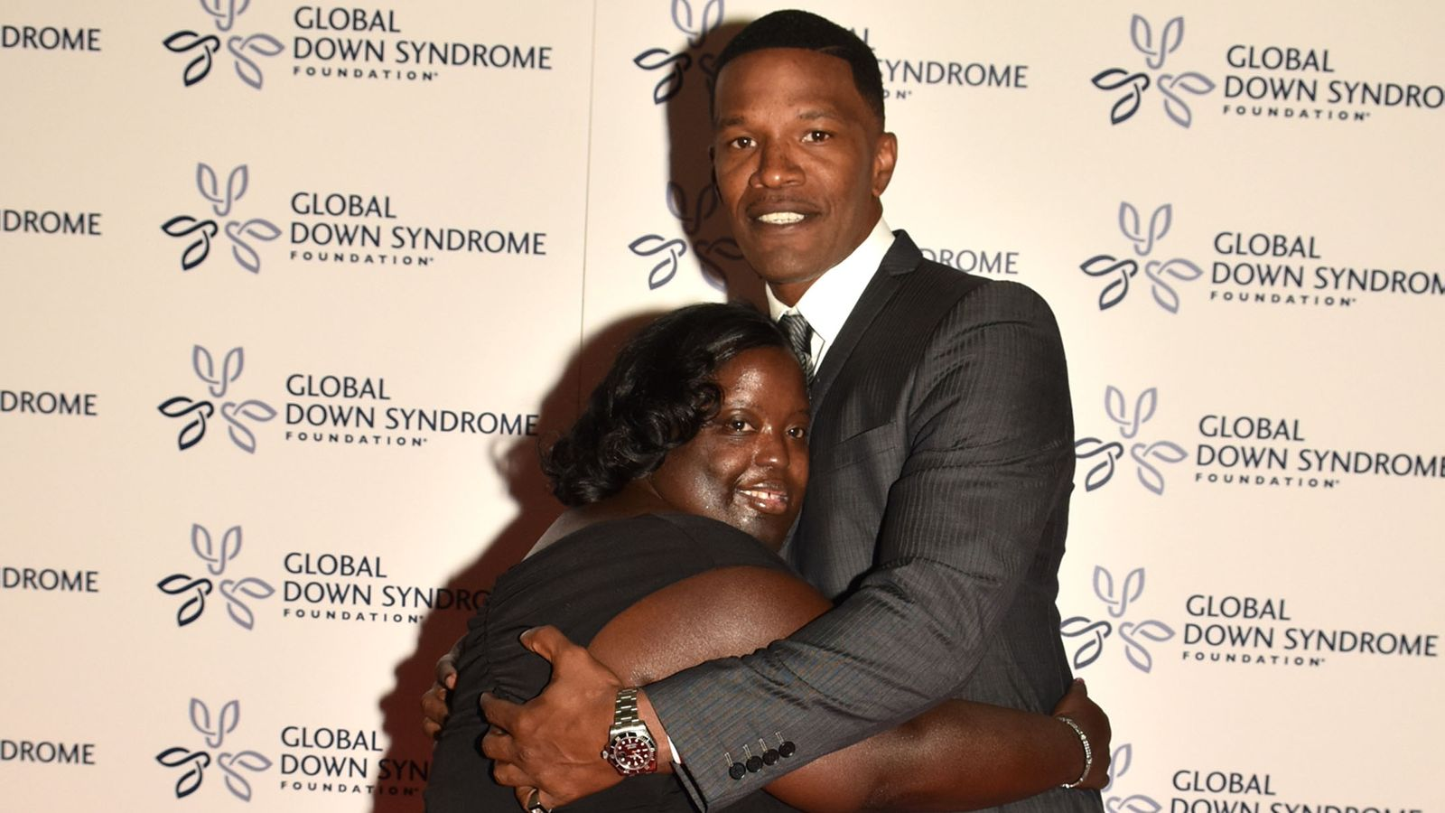 Jamie Foxx Announces The DeOndra Dixon Fund in Honor of His Late Sister
